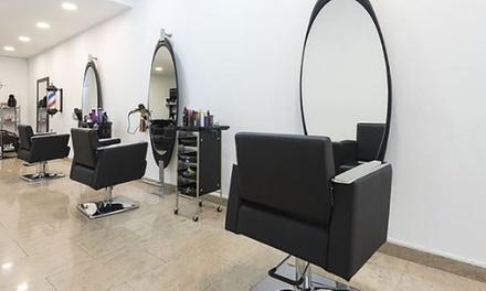 Sesión de peluquería con corte, tinte y/o mechas desde 19,95 € en Susana Lominchar