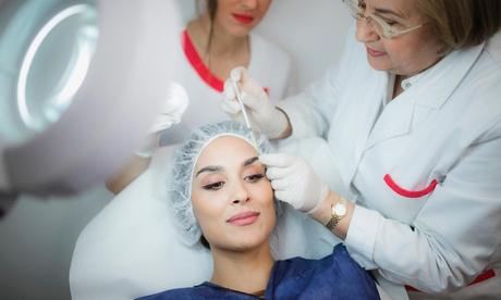 Tratamiento facial de plasma rico en plaquetas con opción a Dermapen en Clínica Roch