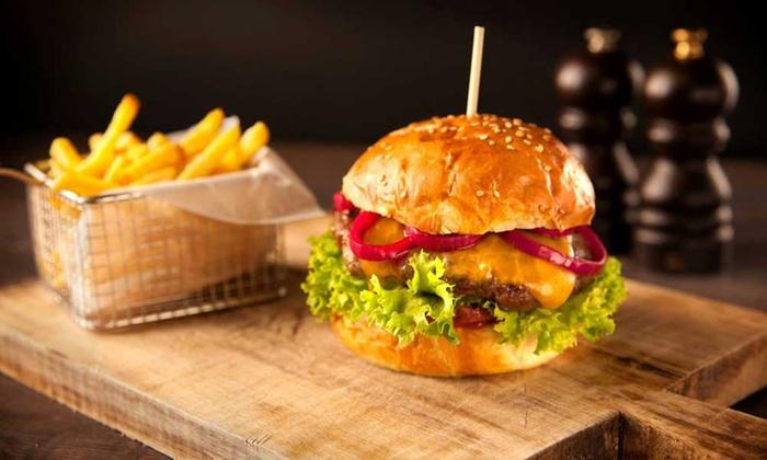 """Burge N Juice - Paris: Menu """"gourmand"""" ou """"all inclusive"""" pour 1 personne dès 14,90 € au restaurant Burge N Juice"""