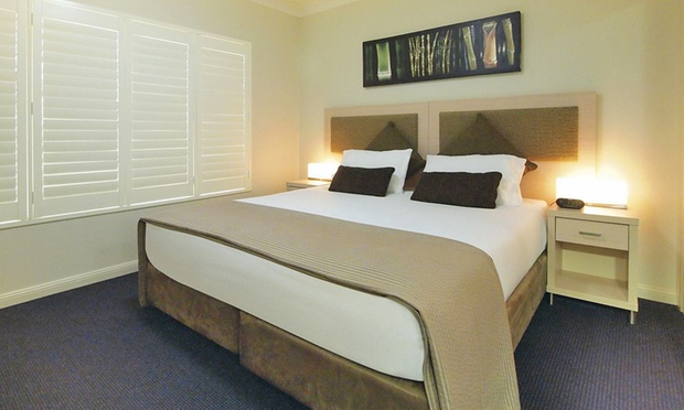 Port Stephens: Lagoon Room Stay 3