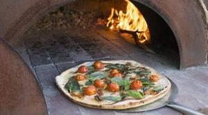 I Famosi: Menu pizza en 3 services à partir de 12,49 € chez I Famosi