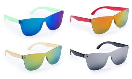Fino a 3 occhiali da sole multicromatici disponibili in vari colori