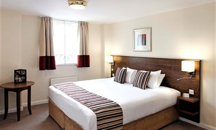 Wolverhampton: Double Room for Two with Breakfast and Dinner/Tea Options at the Mercure Wolverhampton Goldthorn Hotel