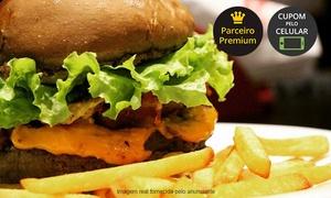 Hamburgueria Caiçara: Hamburgueria Caiçara – Caiçara: 1 ou 2 hambúrgueres artesanais + bebida