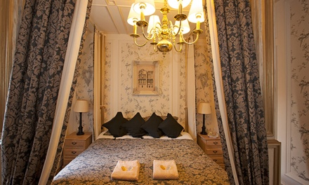 Perth and Kinross: 1 to 3Night Stay for Two with Breakfast, Wine and Chocolates at The Victoria House B&B