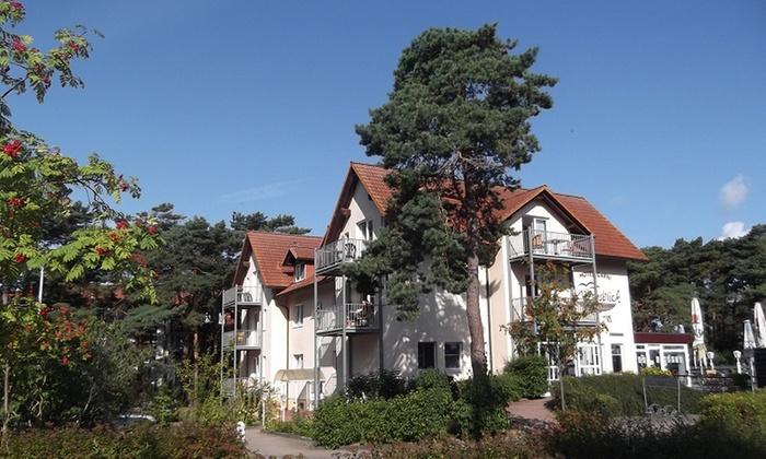 Hotel Meeresblick - Hotel Meeresblick: Glowe auf Rügen: 3 bis 5 Tage für Zwei inkl. Frühstück und Parkplatz im Hotel Meeresblick
