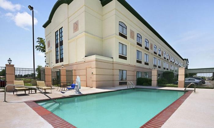 Convenient Hotel near Memphis Mall