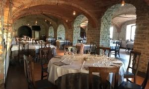 Il Castello di Bubbio Ristorante: Menu di pesce di 6 portate con vino per 2 o 4 persone da Il Castello di Bubbio Ristorante (sconto fino a 62%)