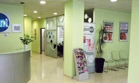 Limpieza bucal con opción a 1, 2 o 4 empastes desde 12,90 € en Implantdent. 9 centros