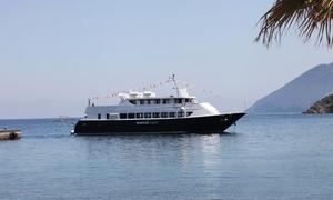 Tropea Mar Navigazioni: Mini crociera alle isole Eoliecon tour a scelta da Tropea Mar Navigazioni
