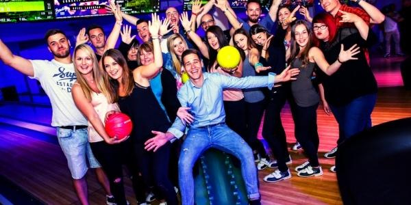 110 Min. Bowling (2 Einheiten) inkl. Leihschuhen für bis zu 8 Personen im Bowling Room Hagen (bis zu 60% sparen*)