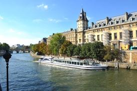 Bateau Paris en Scène: Brunch-croisière avec 1/2 bouteille de champagne pour 2 personnes à 49 € sur le Bateau Paris en Scène