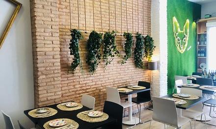 Menú para 2 o 4 personas con entrante, principal, postre y bebida o botella de vino desde 19,90 € en MalaMia Ruzafa