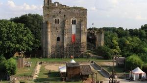 """La forteresse de Montbazon: """"Soirée aux 100 énigmes"""" pour 1, 2, 4, 6 ou 8 personnes dès 23,90 € à La forteresse de Montbazon"""
