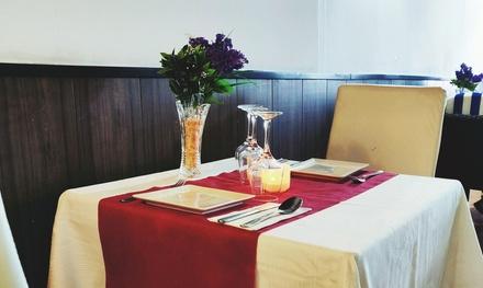 Menú indio para 2 o 4 con entrante, principal, postre y bebida desde 24,99 € en Maharani Bil Bil Restaurant