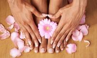 Klassische Pediküre mit Fuß-Massage, opt. mit Maniküre im Chaus Nails im Haarstudio Munich (bis zu 75% sparen*)