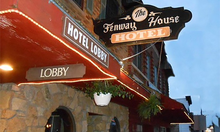 Wisconsin Boutique Hotel with Onsite Dining