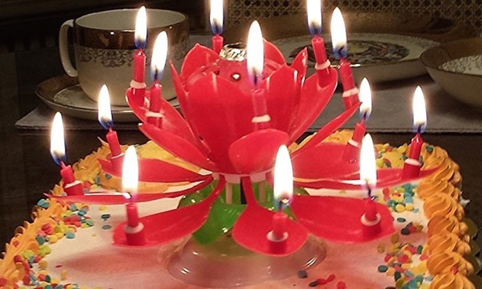 Amazing Blooming Lotus Flower Rotating Birthday Candle