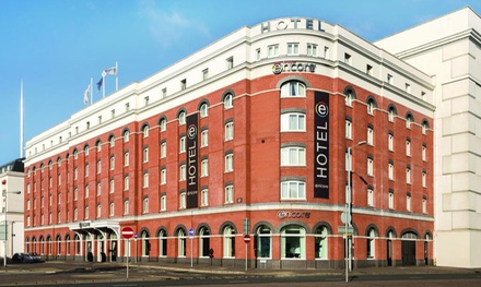 Belfast: 1- or 2-Night Stay and Hop-On Hop-Off Bus Tour