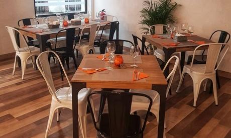Menú fusión para 2 con entrante, principal, postre y bebida en Riomba Restaurante (hasta 57% de descuento)