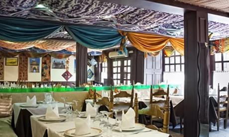 Menú hindú para 2 o 4 personas con entrante, principal, bebida y postre desde 22,95 € en Delhi Darbar Restaurant