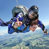 Lancio paracadute con istruttore