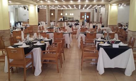 Menú mediterráneo para 2 o 4 con entrante, principal, postre y bebida en El Ranga 1 (hasta 55% de descuento)