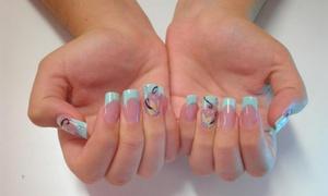 Nails Design: 2 manicuras semipermanentes con opción a pedi desde 12,95€ o 2 sesiones de uñas de porcelana por 24,95€ en Nails Design