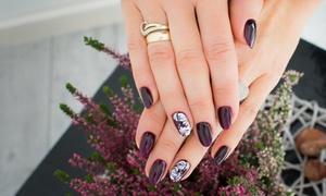 noToPięknie: Hybrydowy manicure (29,99 zł) lub pedicure (39,99 zł) i więcej opcji w noToPięknie w Dąbrowie Górniczej