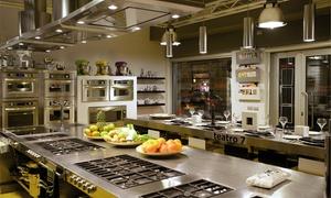 TEATRO 7: Corso di cucina con Chef professionisti e cena con vini abbinati per 1 o 2 persone a Teatro 7 in zona Isola (sconto 47%)