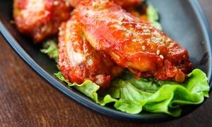 Crispy's Chicken: East Bucket mit 15 oder 30 Hot Wings inkl. Fried Snickers und Salat bei Crispy's Chicken (26% sparen*)