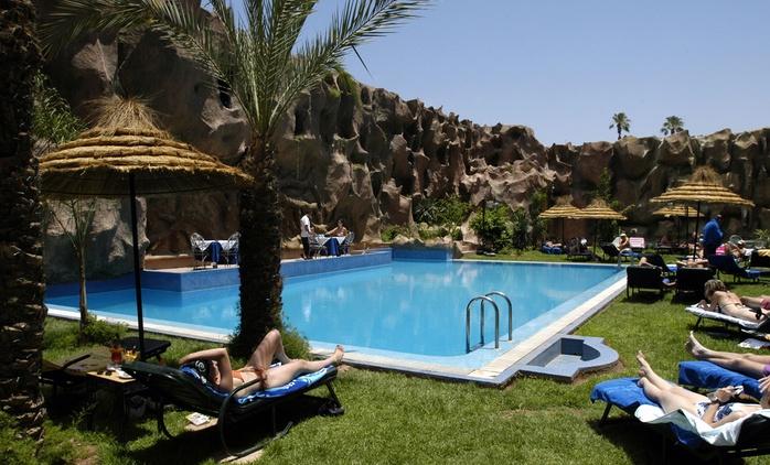 Marrakech : 1 à 9 ou 14 nuits avec modelage, sauna et jacuzzi  à l'hôtel l'Imperial Holiday & Spa 4* pour 5 personnes
