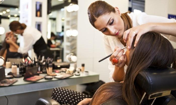 La Seduttrice di Simona Sessa - Più sedi: Corso di make up e consulenza estetico-cosmetica con La Seduttrice di Simona Sessa (sconto fino a 92%). Valido in 2 sedi