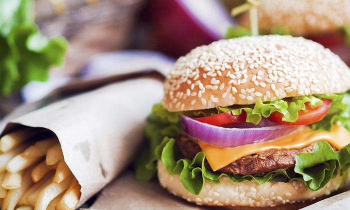 Palm Beach Kurfürstendamm - Palm Beach Kurfürstendamm: Burger inkl. Softgetränk nach Wahl für zwei oder vier Personen bei Palm Beach Kurfürstendamm (38% sparen*)