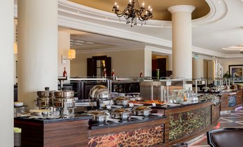 5* Buffet at Radisson Blu Corniche