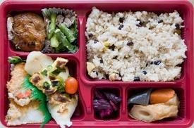 Smakosz: Rodzinny catering dietetyczny: 5-dniowa dieta dla 2 osób za 309 zł i więcej opcji z firmą Smakosz (do -41%)