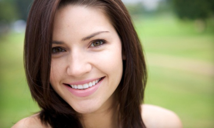 DaVinci Teeth Whitening Systems - Rockford: $109 for In-Office Whitening from DaVinci Teeth Whitening Systems ($447 Value)