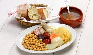 Dos Ríos: Menú para 2 o 4 con surtido de entrantes, plato de cuchara, postre y bebida o botella de vino desde 19,95 € en Dos Ríos