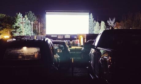 2 o 4 entradas con parking para 1 o 2 coches, refresco y palomitas desde 11,95€ en Autocine Cantábria