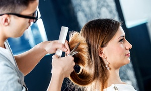 Salon Le Profil: Forfaits coupe, mise en plis, soin et coloration en option au Salon Le Profil (jusqu'à 65 % de rabais)