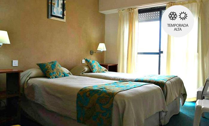 Mar de Ajó: desde $849 por 2, 3, 4 o 7 noches para dos + spa con opción a temporada alta en Hotel Latinoamericano