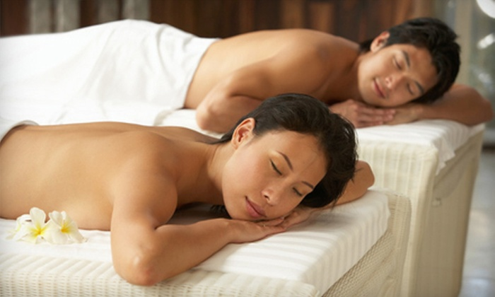 D'Marie Salon & Day Spa - Old Towne: $69 for a One-Hour Couples Massage with Champagne and Strawberries at D'Marie Salon & Day Spa in Frankfort ($160 Value)