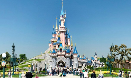 ✈Disneyland Paris: 2 or 3 Nights for up to Four with Flights and Park Tickets at Kyriad Disneyland Hotel*