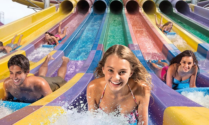 Wet 'n' Wild is the most diverse and the largest water park in Huston. It is in 40 acres with 2 million gallons of water. The highlights are Stingray Racer: Debuting summer , which is the highest slide that stands tall at 55 feet.