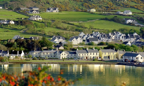 Co. Donegal: 1, 2 or 3 Nights for Two with Breakfast, Wine and Optional Dinner at Arnolds Hotel