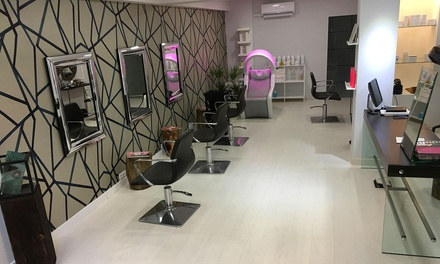 Sesión de peluquería completa con opción a tinte y/o mechas o alisado brasileño desde 14,95 € en Sandra Albo