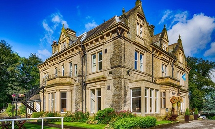 West Yorkshire: Double or Twin Room for Two with 2Course Dinner on First Night and Glass of Wine at Durker Roods