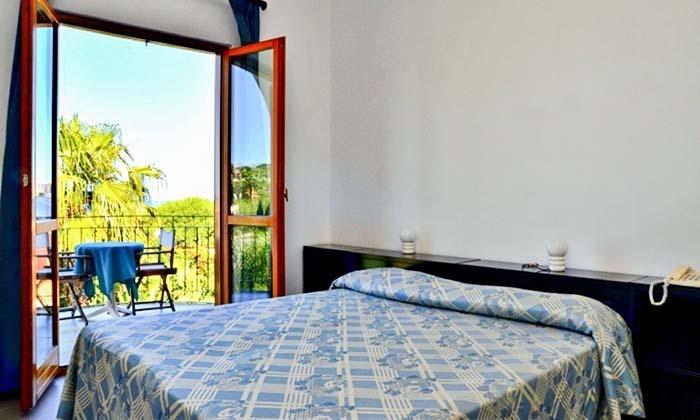 Hotel terme castaldi a napoli citt metropolitana di for Finestra termale