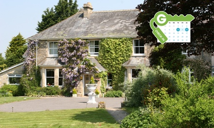 Devon: Double or Twin Room for Two with Breakfast and Prosecco at Fairwater Head Hotel