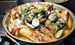 Casa Nova: Menu aux fruits de mer avec entrée, plat et dessert pour 2 personnes à 39,90 € au restaurant Casa Nova